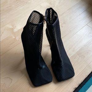 Square toe mesh booties